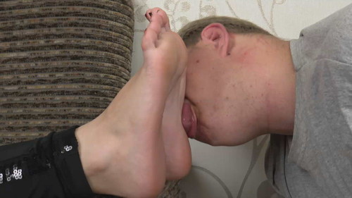 Anna - lick my dirty sneakers and eat my sweaty socks! Full HD