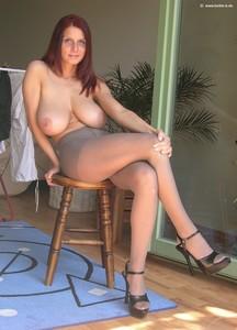 http://img116.imagetwist.com/th/14583/48w2rps6x03o.jpg