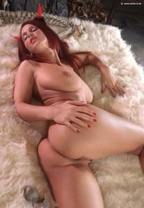 http://img116.imagetwist.com/th/14583/jfmmf7h8ccv6.jpg