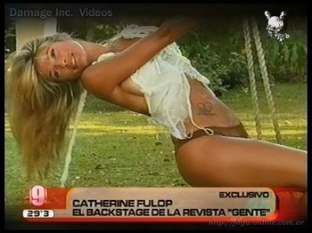 Catherine Fulop sexy sideboob view