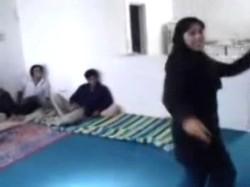 افلام العرض الاول اغتصاب طالبة محجبة من 4 شباب وعماله تعيط وتصوت