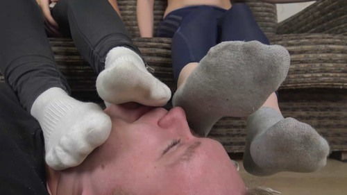 Nikki & Tiffany - sweaty soles after workout Full HD