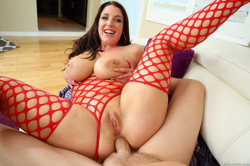 Angela White – Enormously Stacked Aussie Butt-Fucked – Evil Angel