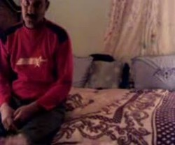 فاجره عشيقها يروحلها البيت يمتعها نياكه وصورها بقميص نومها وكيفته