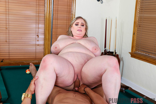 Lynn Underwood – In Her Hole beautiful body XXX hardcore FullHD 1080p