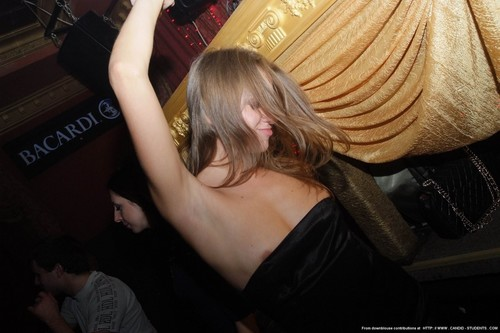 upy2tfg2coud - Drunk girls nipple slip Downblouse pictures