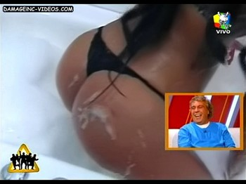 Pamela Sosa big wet booty in thong