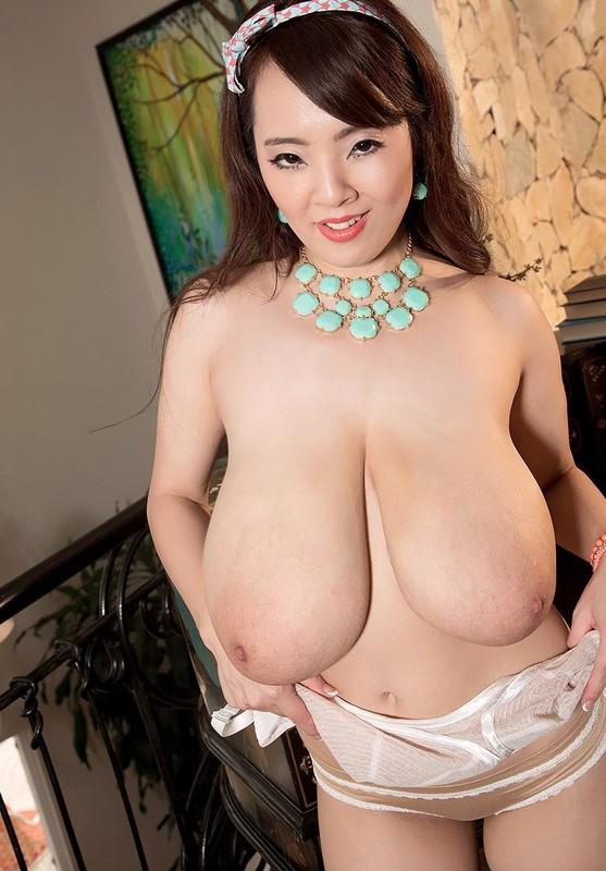 Hitomi Tanaka – Big Bra Babe HD