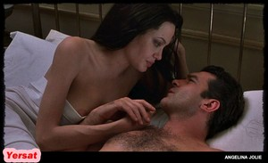 Angelina Jolie in Original Sin (2001) Ckmn0i2xbc4q