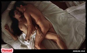 Angelina Jolie in Original Sin (2001) Nmeaejow3b8l
