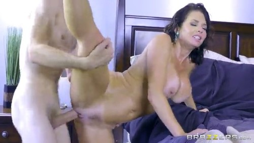 Veronica avluv napping naked