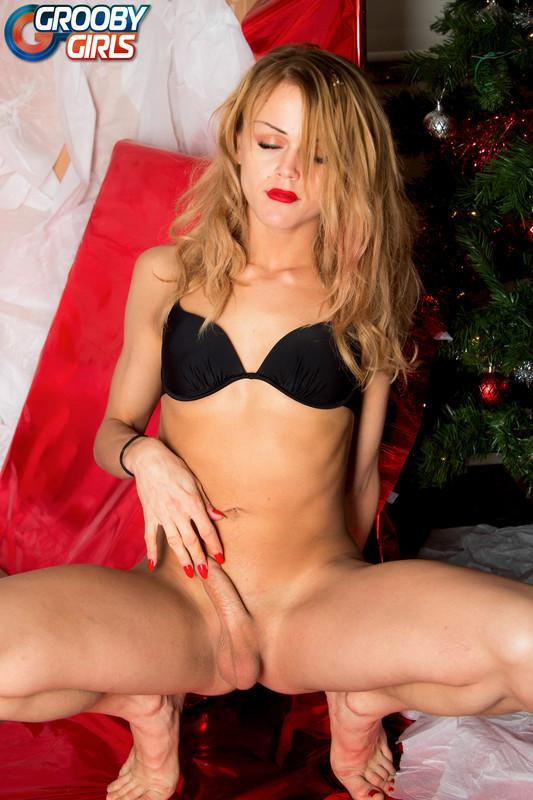 Xmas Special: Nikki Kittens (28 December 2017)