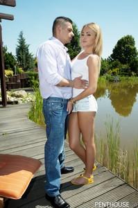 17 04 13 Ivana Sugar Sabby Budapest Kiss 3