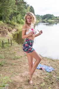 Alisha - Natural Look -36r9gfdxzo.jpg