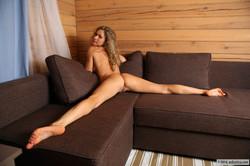Ginny-Sofa--f6s7k86p2y.jpg