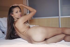 Tristana A - Leggy -66r9h8au2e.jpg