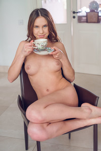 Barbara-Vie-Lasire--j7bxe9wd5t.jpg