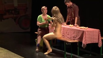 Celebrity Content - Naked On Stage - Page 6 Ij6kk8lo6lha