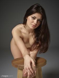 Lidia-Beauty-Defined--y6va2h7yaw.jpg