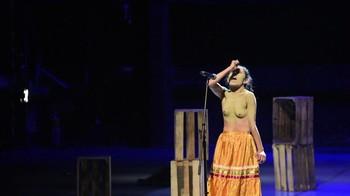 Celebrity Content - Naked On Stage - Page 6 Yah9d8lb9k5u