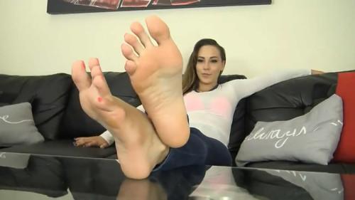SASHA FOXX SWEATY FEET IN BOOTS