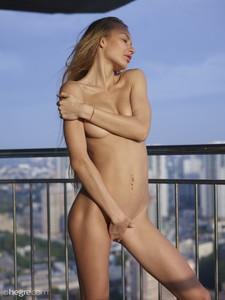 Jolie-Sexy-Skyline--27egqlpfya.jpg