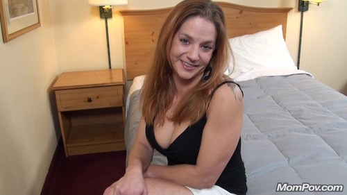 Mompov.com -   Lilly 32 year old unemployed secretary
